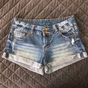 Charlotte Russe Refuge Size 8 Cuffed Shorts